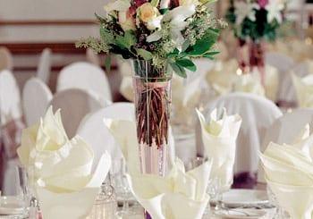 Comment décorer une table ronde pour un mariage?